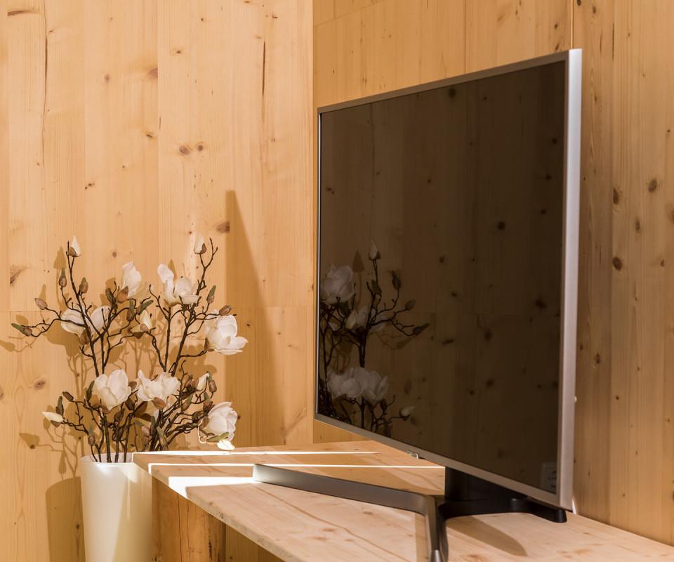 Flachbildfernseher in der Wohnung